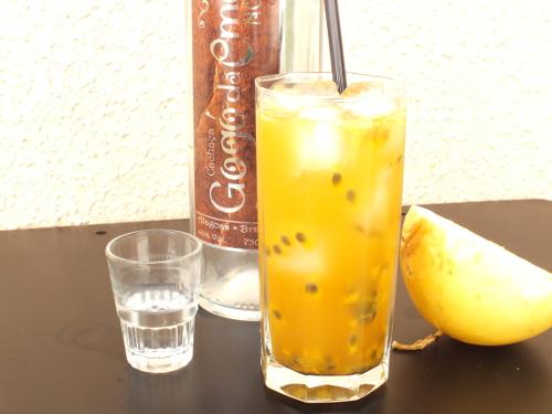 Cachaça Gogó da Ema drink com maracujá